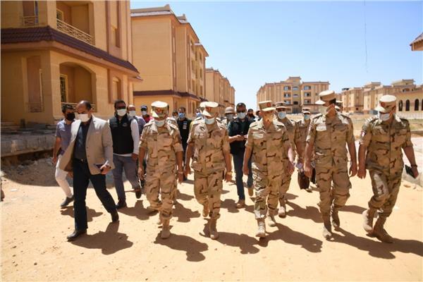 صور| الفريق محمد فريد يتفقد الحالة الأمنية ويلتقي رجال القوات المسلحة والشرطة بشمال سيناء