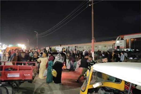 الصحة والسكان: إصابة 15 مواطناً ولا وفيات فى حادث قطار منيا القمح بالشرقية