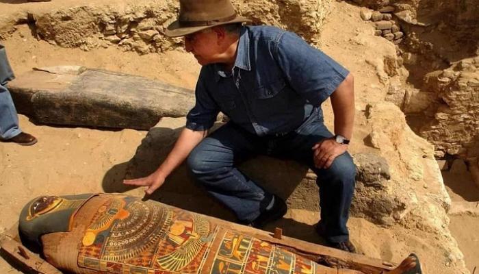 زاهي حواس يعلن عن كشف آثري جديد في البر الغربي بالأقصر 8 أبريل القادم