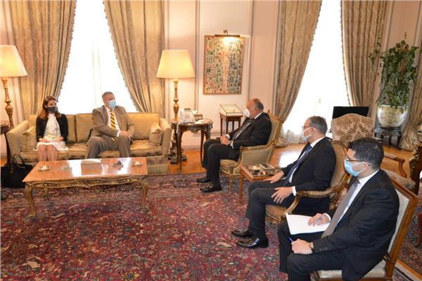 سامح شكري يستقبل مبعوث الأمم المتحدة الخاص إلى ليبيا