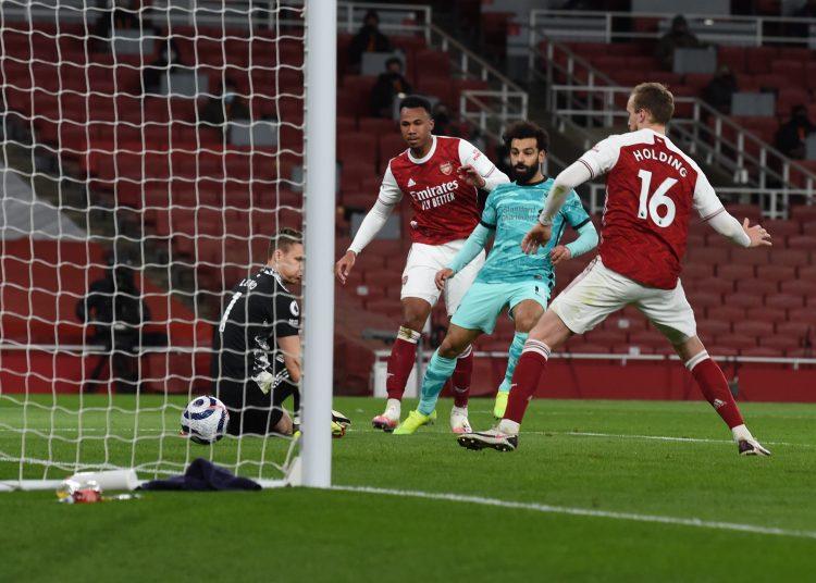 ليفربول يفوز على أرسنال بثلاثية في الدوري الإنجليزي