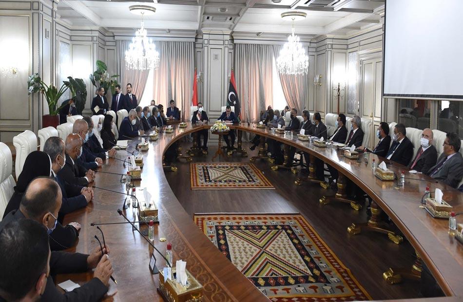 مدبولي: الرئيس السيسي حريص على دعم كافة المشروعات التنموية التي تخطط الحكومة الليبية لتنفيذها