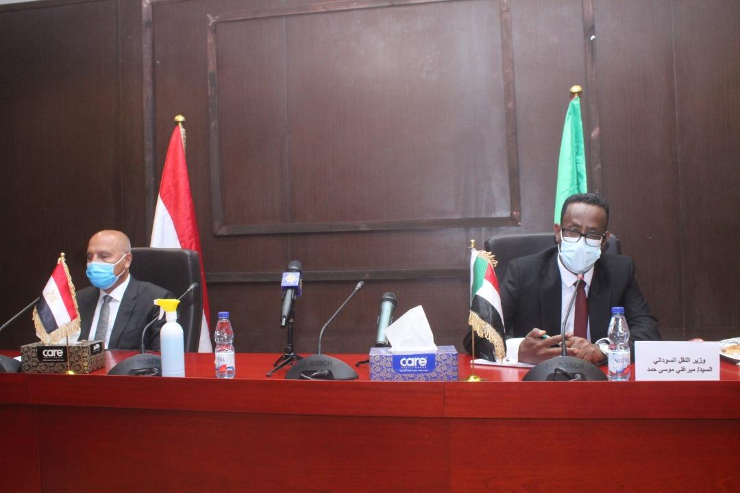 صور| وزير النقل: توجيه واضح وصريح من الرئيس السيسي بتلبية أي مطالب للأشقاء السودانيين