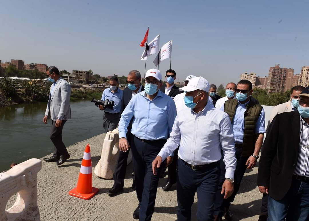 صور| رئيس الوزراء يتفقد مشروع تطوير الطريق الدائري حول القاهرة الكبرى