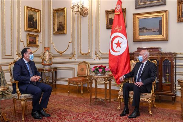 صور| دولة رئيس الوزراء يلتقي الرئيس التونسي بقصر القبة