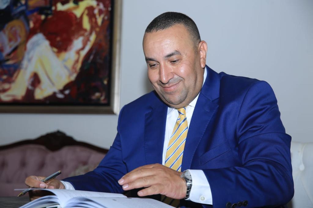 وائل لطفي رئيسا لتحرير الدستور