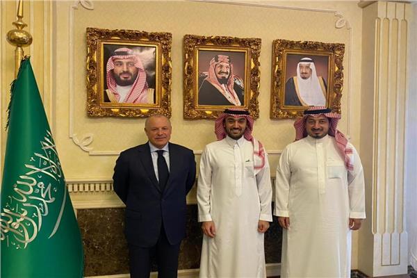 وزير الرياضة السعودي يستقبل أبوريدة في الرياض