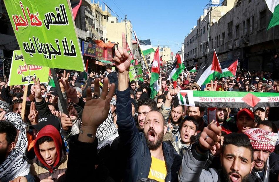 مظاهرات في عمان قرب الحدود مع إسرائيل والضفة الغربية المحتلة