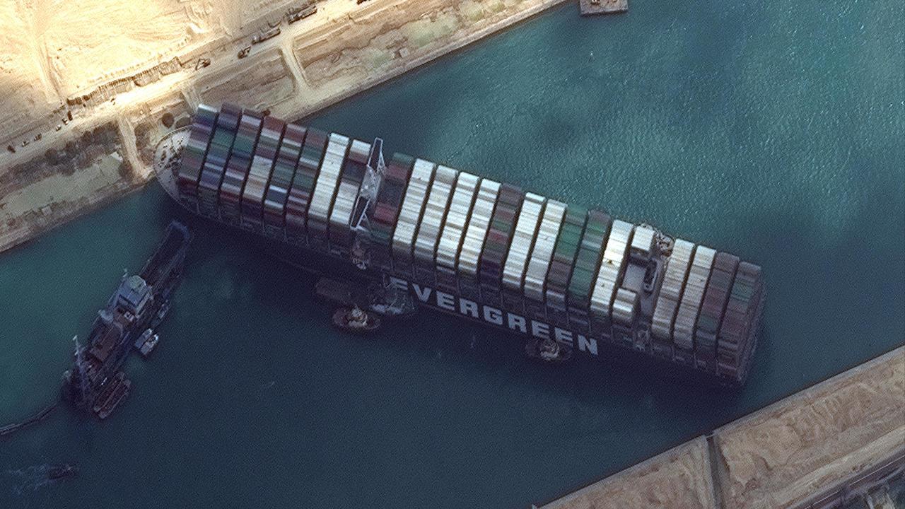 المحكمة الاقتصادية تنظر دعوى ثبوت الدين وصحة الحجز على السفينة إيفرجيفين