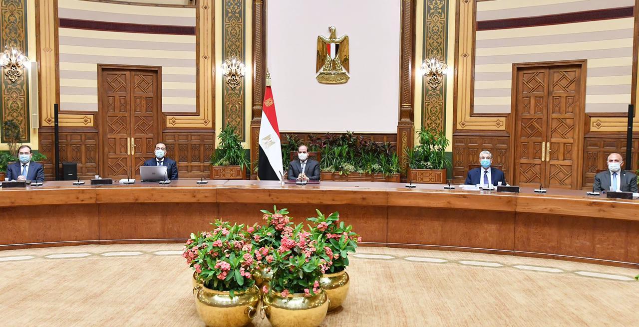 صور| الرئيس السيسي يطلع على عرض متكامل لمحاور مشروع تطوير قرى الريف المصري