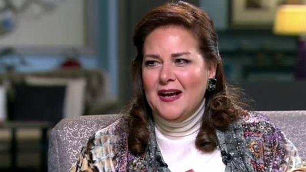 """""""الصحة"""" تكشف تطورات الحالة الصحية للفنانة دلال عبد العزيز"""