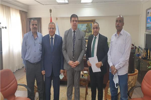 حسين زين يلتقى رؤساء النقابات العمالية لبحث المشاكل المالية والإدارية