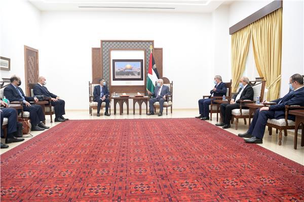 الرئيس الفلسطيني يستقبل الوفد الأمني المصري ويشكر الرئيس السيسي