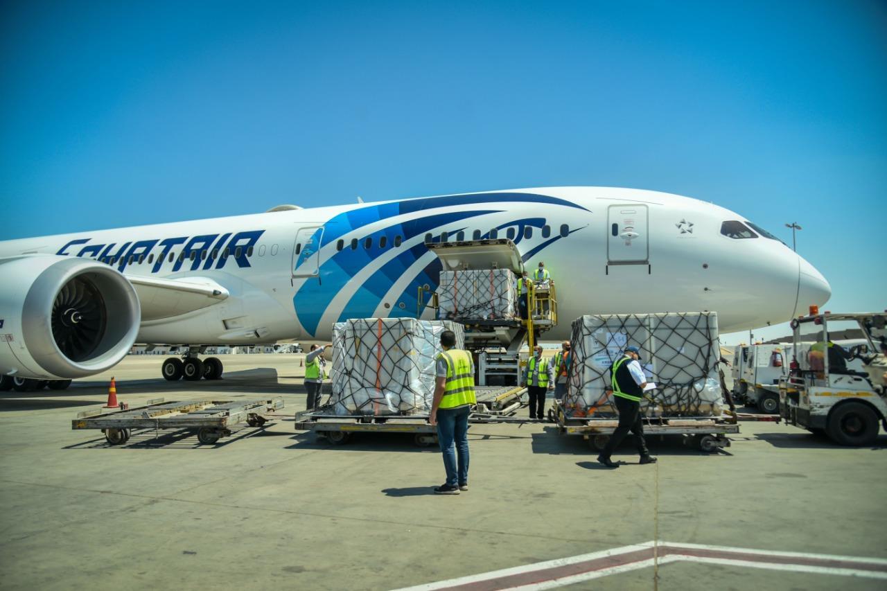 صور| الصحة: وصول 500 ألف جرعة من لقاح سينوفارم الصيني إلى القاهرة