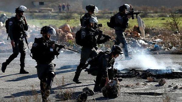 إصابة عشرات الفلسطينيين بالاختناق جراء قمع الاحتلال الإسرائيلي تظاهرة منددة بالاستيطان في رام الله