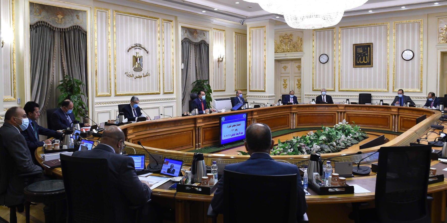 مدبولي: منح الرئيس السيسي وسام القائد من البرلمان العربى يعكس المكانة التى يتمتع بها فى المنطقة