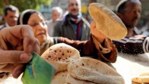 وزارة التموين تواصل صرف الخبز المدعم للمصطافين دون التقيد بشروط محل الإقامة