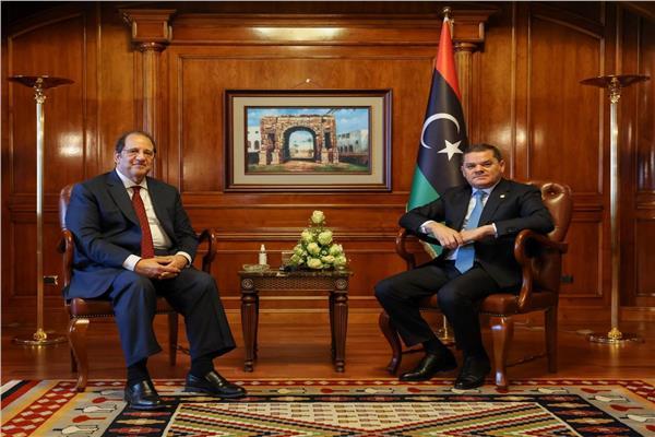 رئيس حكومة الوحدة الوطنية الليبية يستقبل اللواء عباس كامل مدير المخابرات العامة