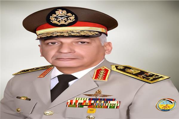 وزير الدفاع والإنتاج الحربى يعود إلى أرض الوطن بعد حضور الذكرى المئوية لتأسيس الدولة الأردنية