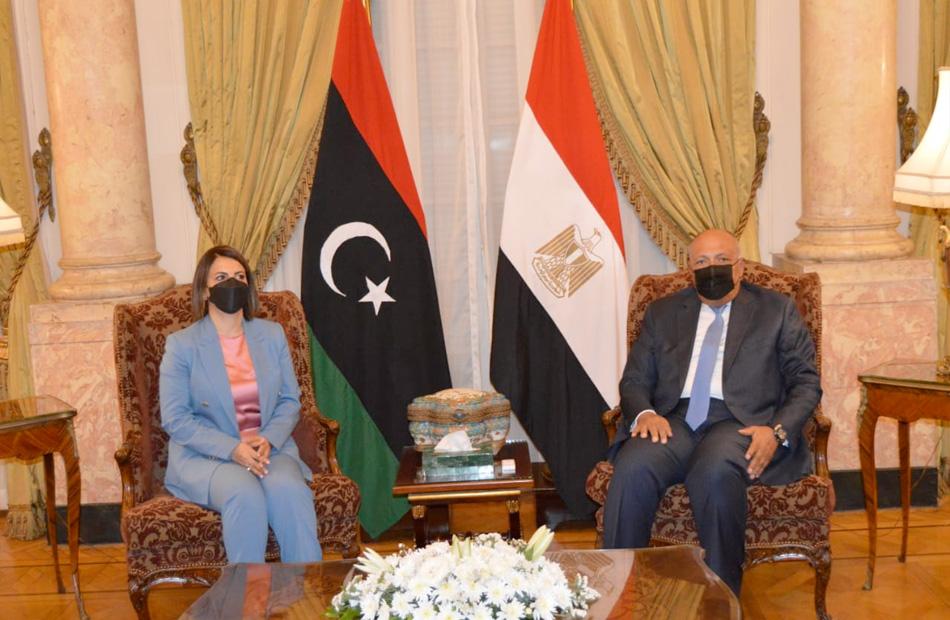 صور| سامح شكري يستقبل نظيرته الليبية