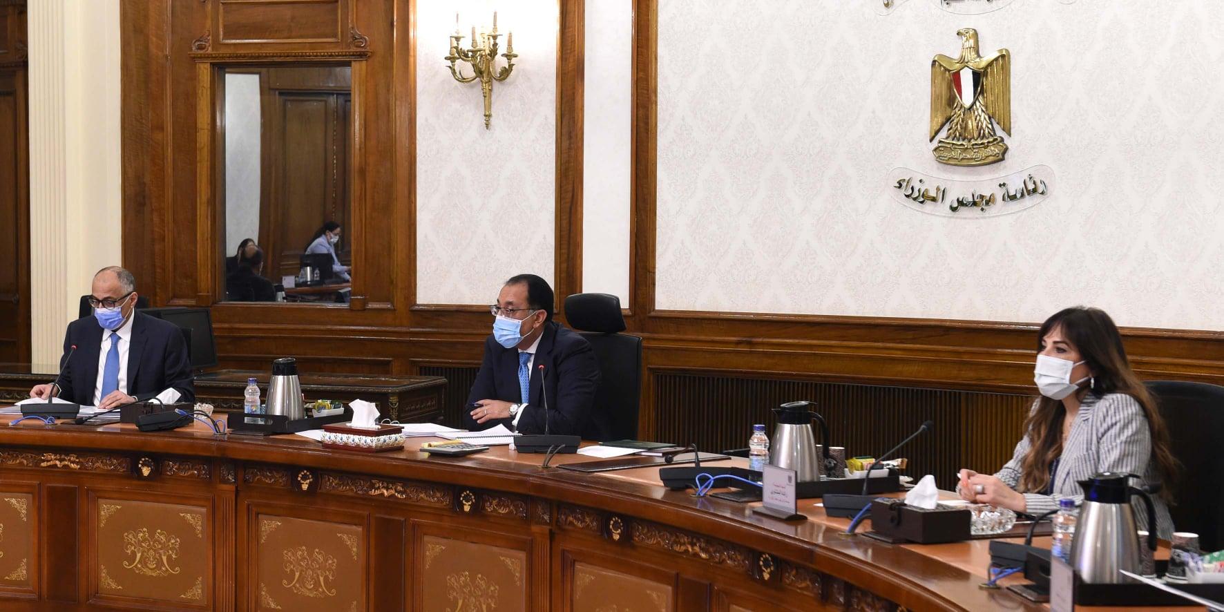 مدبولي البنك المركزي نجح في مواجهة التحديات الاقتصادية جراء جائحة «كورونا»