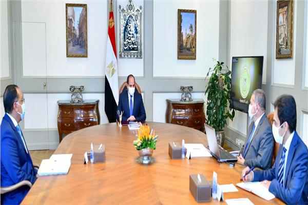 الرئيس السيسي يوجه بمواصلة تطوير شركات قطاع الأعمال لدعم الصناعة الوطنية