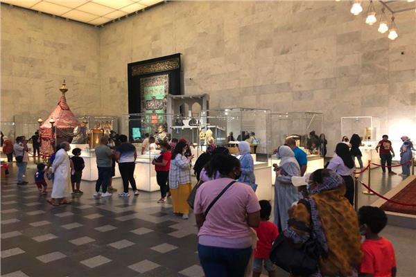 صور  إقبال كثيف على زيارة متحف الحضارة المصرية خلال عيد الأضحى