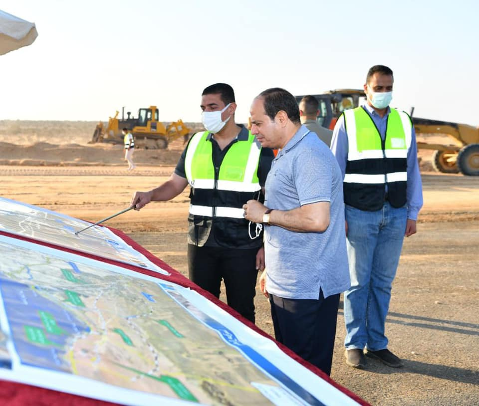 صور  الرئيس السيسي يتفقد تطوير شبكة محاور وطرق الساحل الشمالي