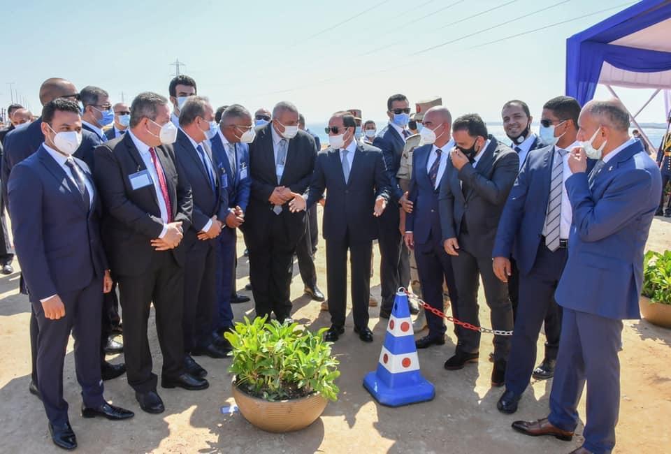 صور| الرئيس السيسي يتفقد محاور شرق الإسكندرية.. ويوجه بتطوير يضمن استدامة كفاءتها