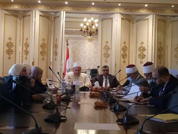 «دينية النواب» توافق على طلب النائب مصطفى سالم بتطبيق الحد الأدنى للأجور على خطباء المكافأة