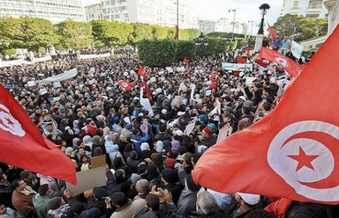 تونس تعلن حظر التجول من السابعة مساء إلى السادسة صباحا لمدة شهر