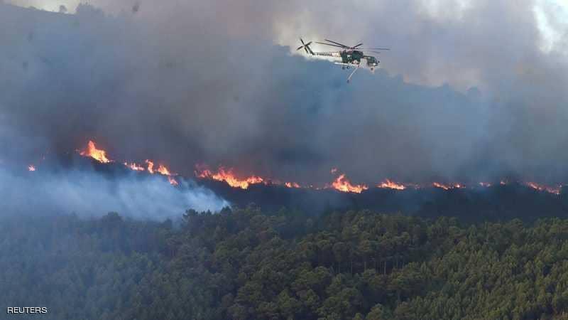 إيطاليا: سبع طائرات إطفاء في الجو للسيطرة على أكثر من 300 حريق غابات في 12 ساعة
