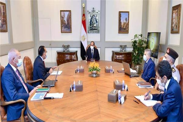 الرئيس السيسي يتابع أداء ونشاط هيئة قناة السويس ومشروعات المنطقة الاقتصادية