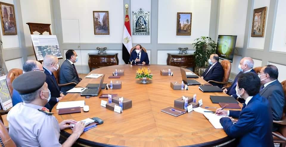 صور  الرئيس السيسي يتابع تطوير محاور ربط مناطق شرق وغرب القاهرة