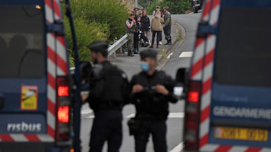 اغتيال رجل دين مسيحي في غرب فرنسا