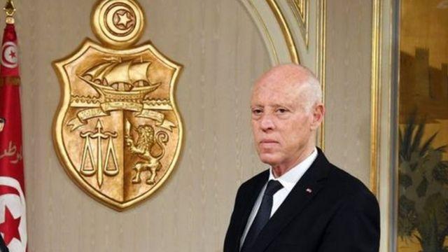 """الرئيس التونسي: هناك من يريد """"التسلل"""" إلى مفاصل الدولة وإلى وزارة الداخلية على وجه الخصوص"""