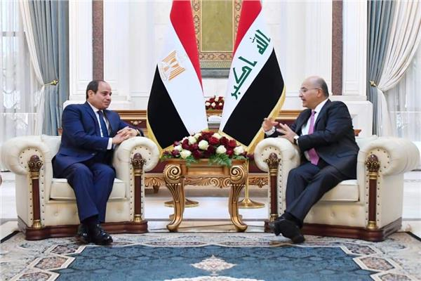 رئيس العراق يستقبل الرئيس السيسي.. ويعقدان جلسة مباحثات ثنائية وموسعة