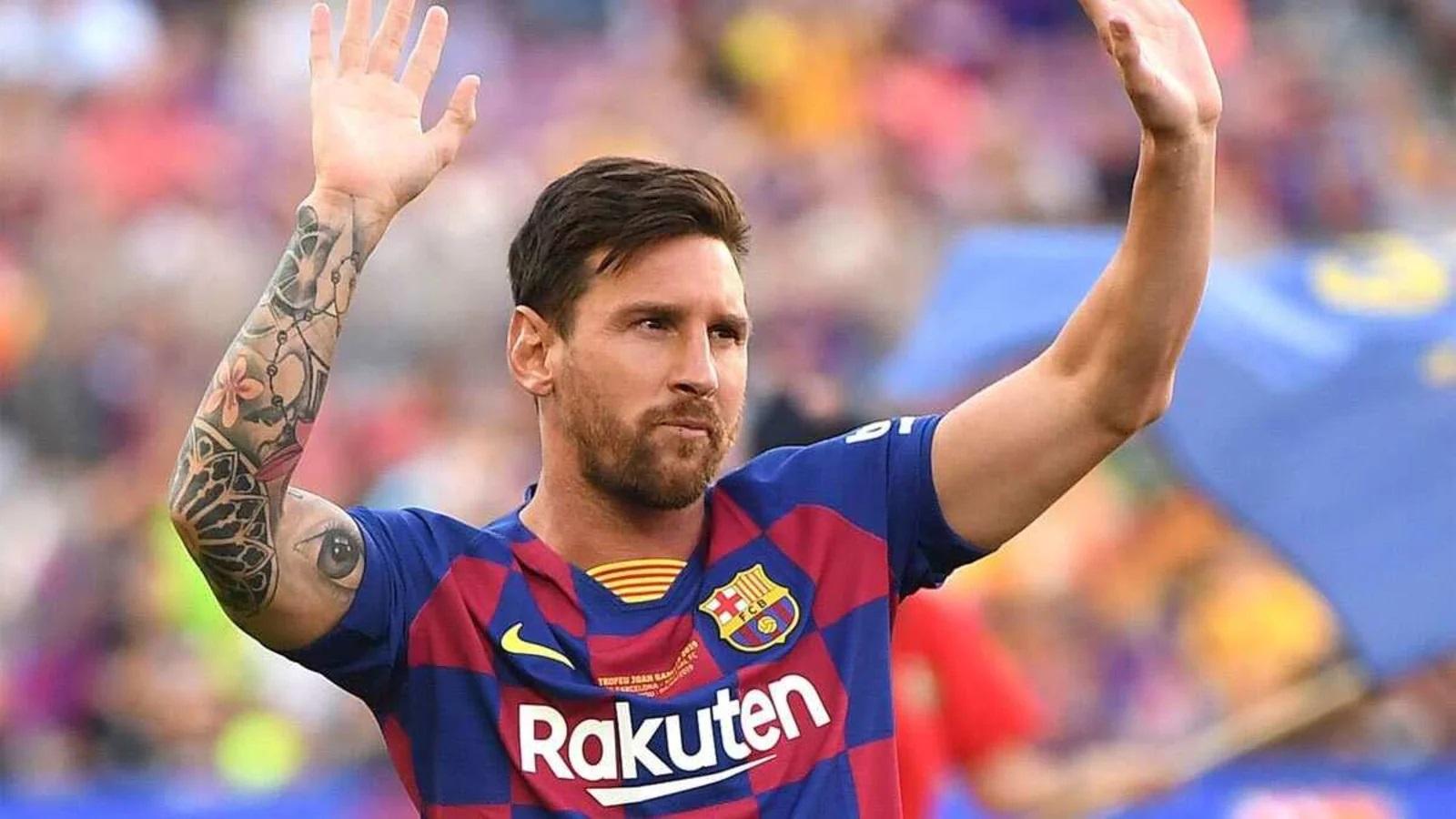 برشلونة يعلن رحيل ميسي