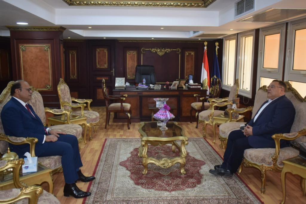 صور| محافظ البحر الأحمر يهنئ مدير الأمن الجديد بتولي مهام منصبه