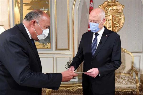 وزير الخارجية: مصر تثق في قدرة القيادة التونسية على تجاوز الظروف الدقيقة