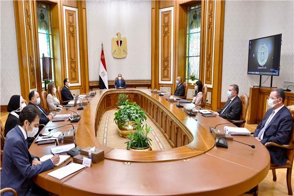 الرئيس السيسي يوجه بتهيئة المناخ الجاذب للمزيد من الاستثمارات الخاصة لزيادة فرص العمل ومعدلات النمو