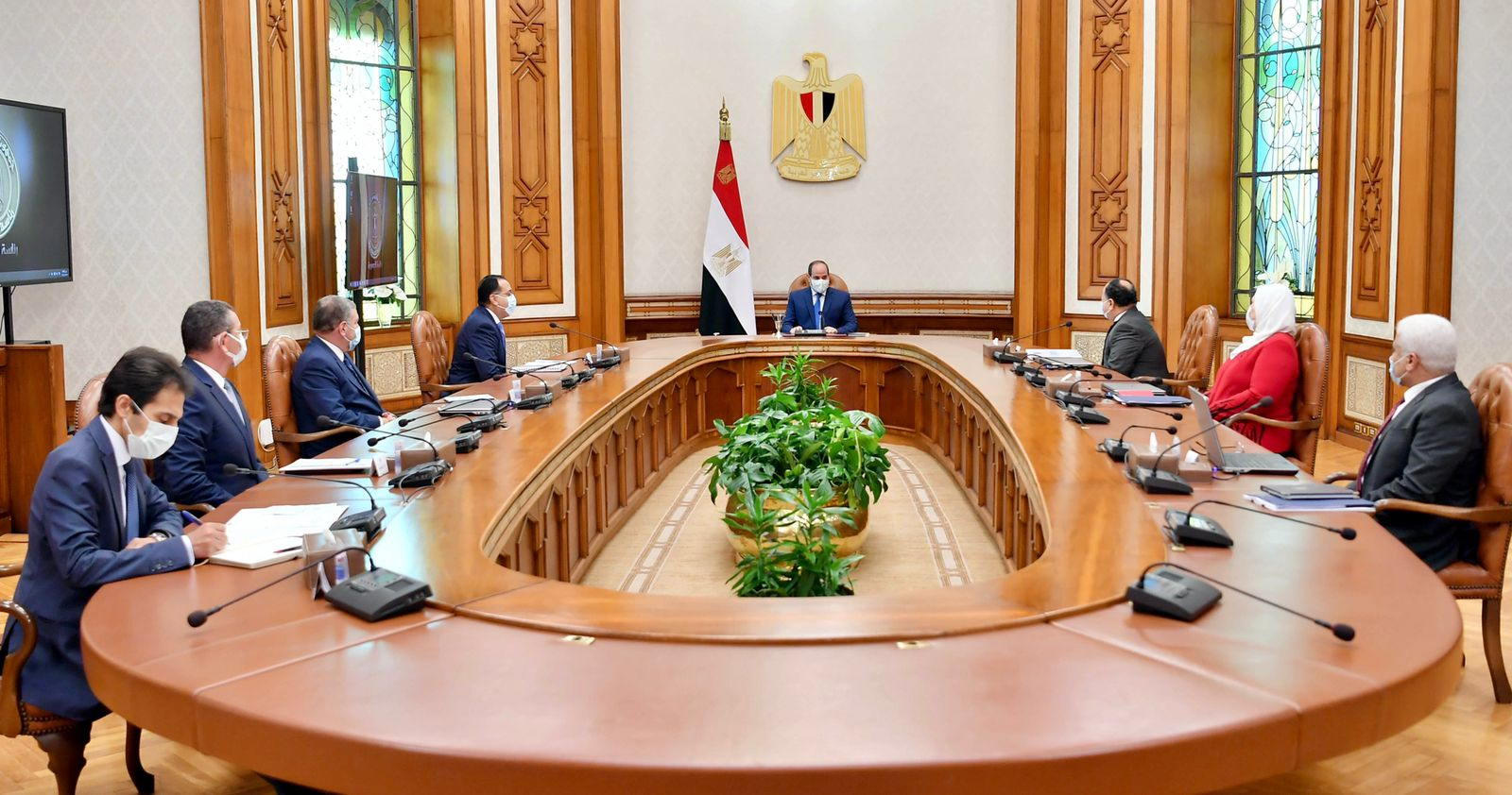 الرئيس السيسي يطلع على جهود تطوير منظومة دعم وحماية الفنانين ومحاور تحسين معاشات أعضاء النقابات الفنية