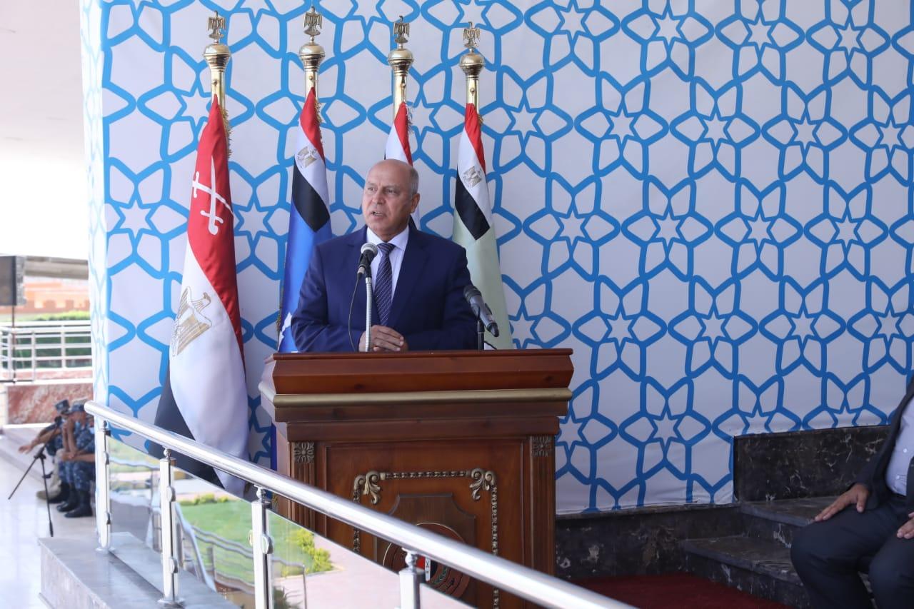 صور| النقل: الرئيس السيسي يصدق على تعيينات جديدة بالمونوريل والقطار السريع