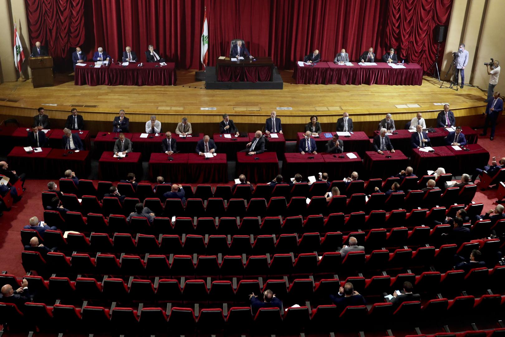 مجلس النواب اللبناني يمنح الثقة لحكومة نجيب ميقاتي