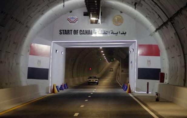 رئيس هيئة قناة السويس يعلن مواعيد تشغيل نفق الشهيد أحمد حمدي الجديد