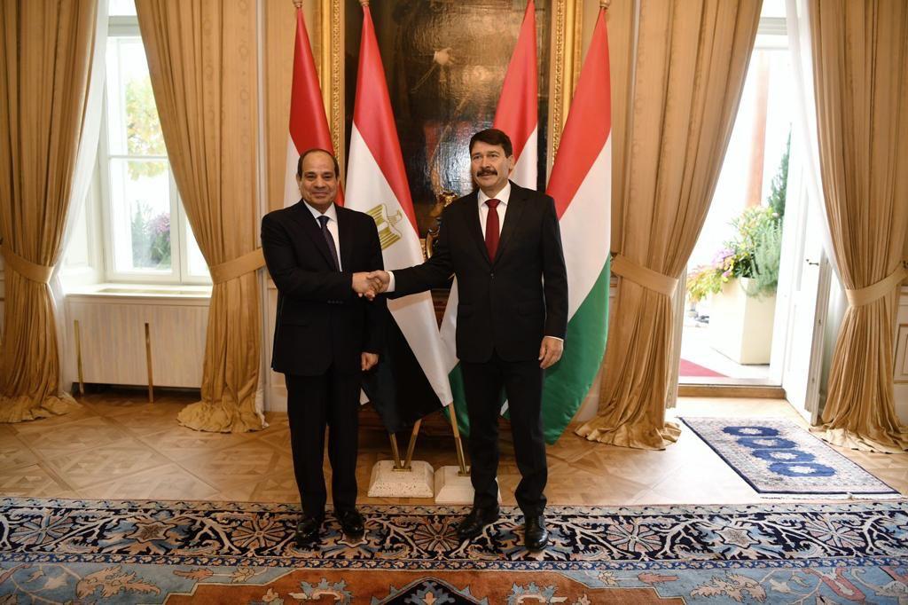 ننشر تفاصيل مباحثات الرئيس السيسي ونظيره المجري في بودابست