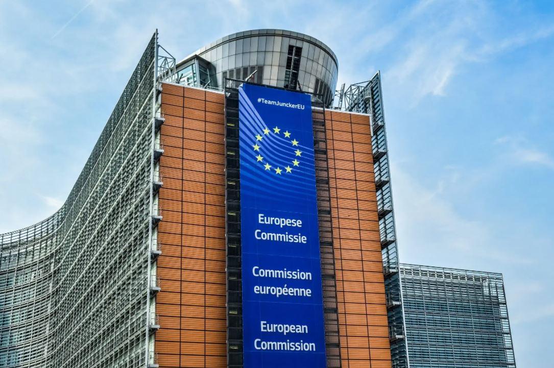 المفوضية الأوروبية توافق على خطة إيطالية لدعم الشركات المتضررة من كورونا