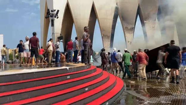 صور  الصحة والسكان: إصابة 14 مواطنًا باختناقات في حريق بإحدى قاعات مهرجان الجونة السينمائي