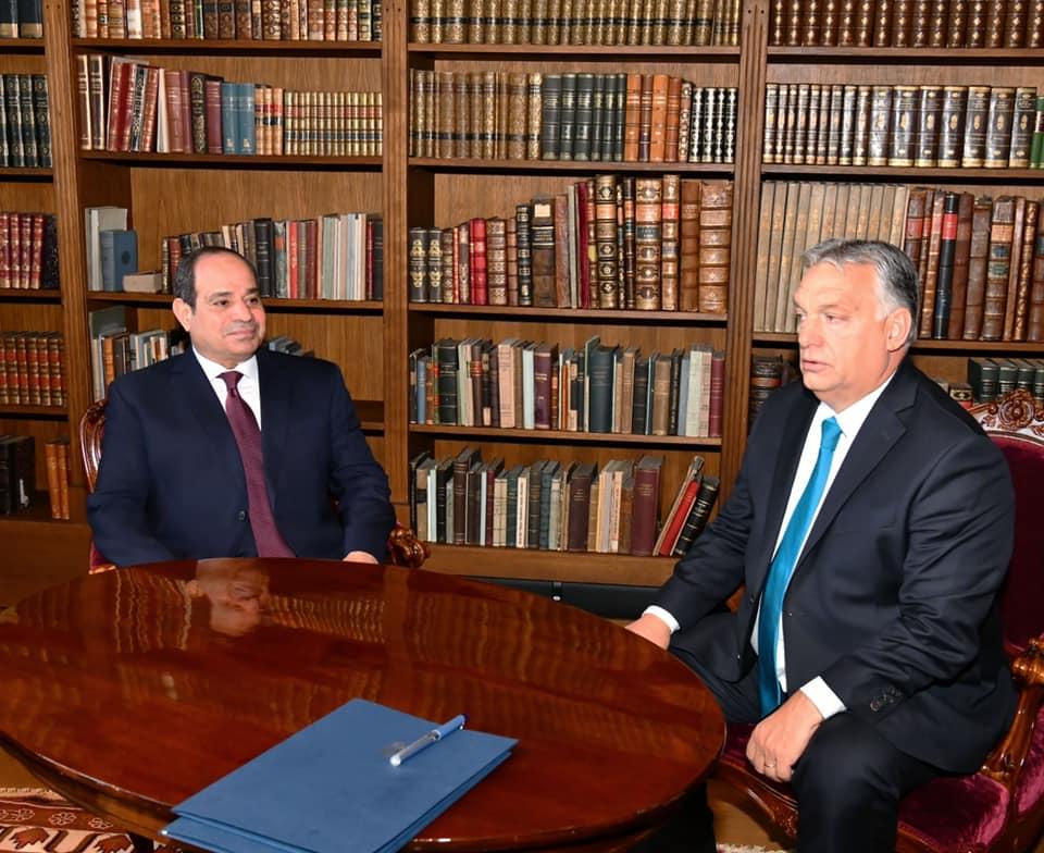 صور| تفاصيل مباحثات الرئيس السيسي ورئيس الوزراء المجري