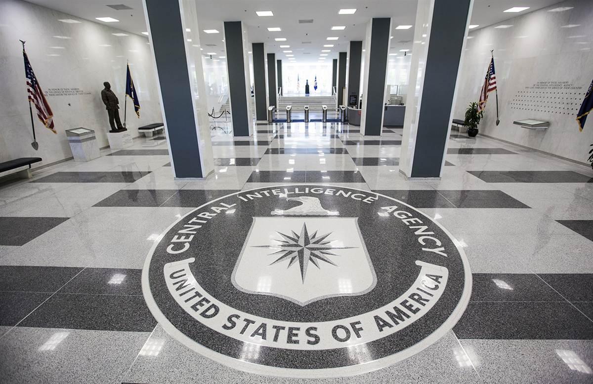"""الرئيس السابق لـ CIA: الحرب على """"داعش"""" يستغرق 20 سنة قادمة"""